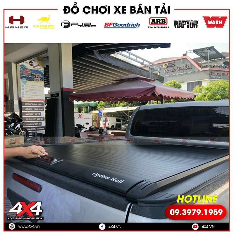 Nắp thùng Option Roll vừa đẹp vừa tiện lời dành cho xe bán tải Toyota Hilux
