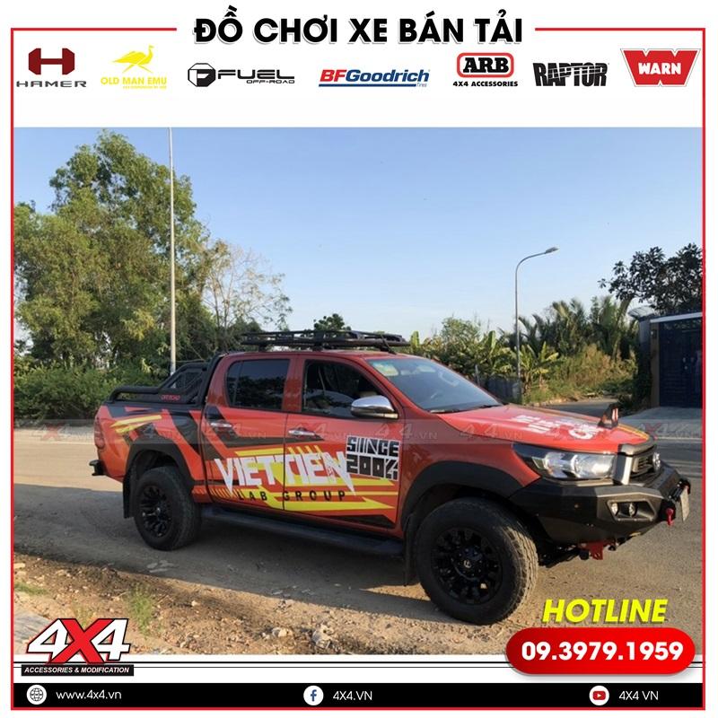 Xe bán tải Toyota Hilux độ đẹp và hầm hố hơn rất nhiều với mâm độ Fuel Vapor