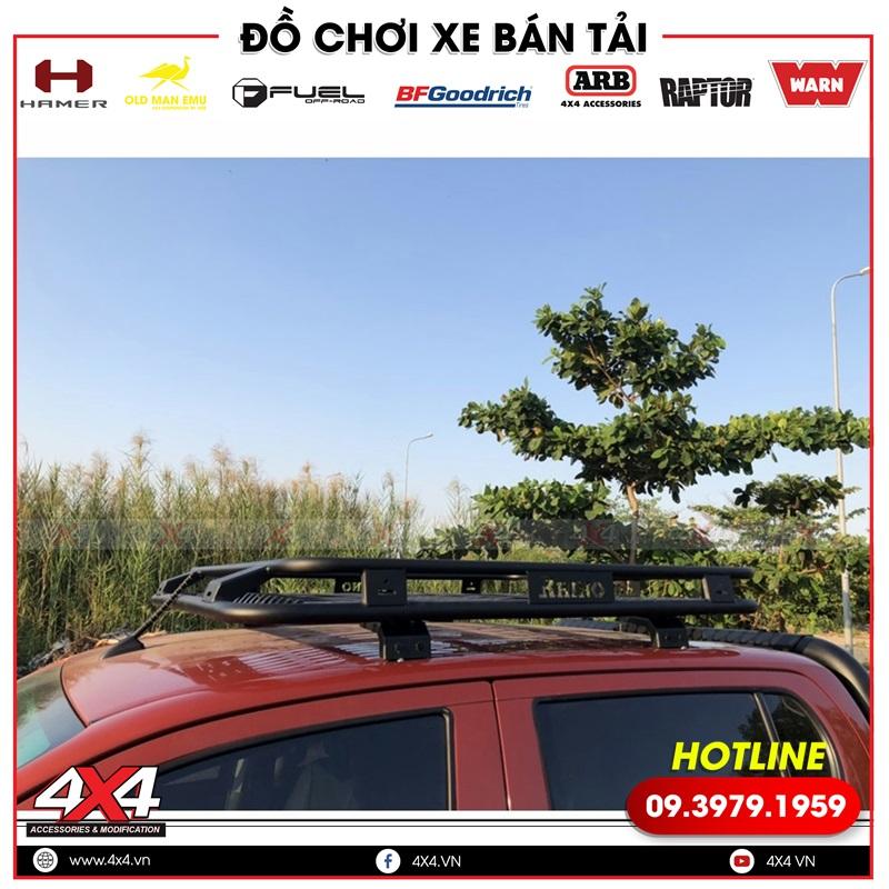 Xe bán tải Toyota Hilux đẹp và mạnh mẽ hơn với baga mui Rhino