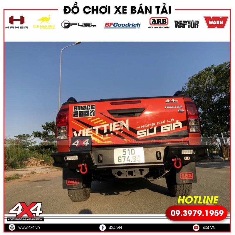 Bán tải Toyota Hilux mạnh mẽ và hầm hố hơn với cản sau Hamer