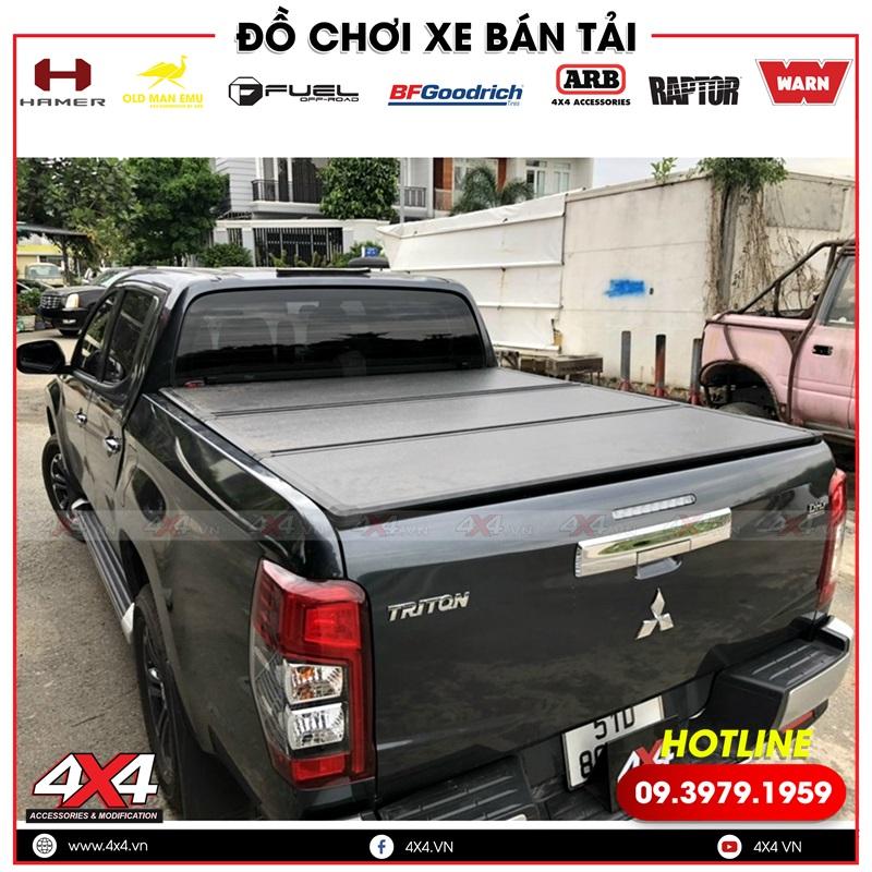 Xe bán tải Mitsubishi Triton độ nắp thùng 3 tấm tại 4x4