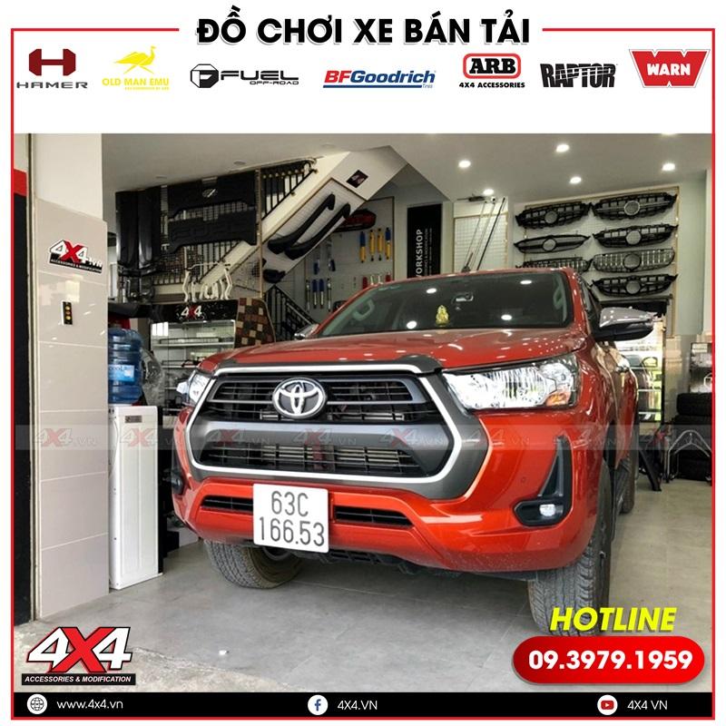 Xe bán tải Toyota Hilux độ thanh thể thao Offroad tại 4x4