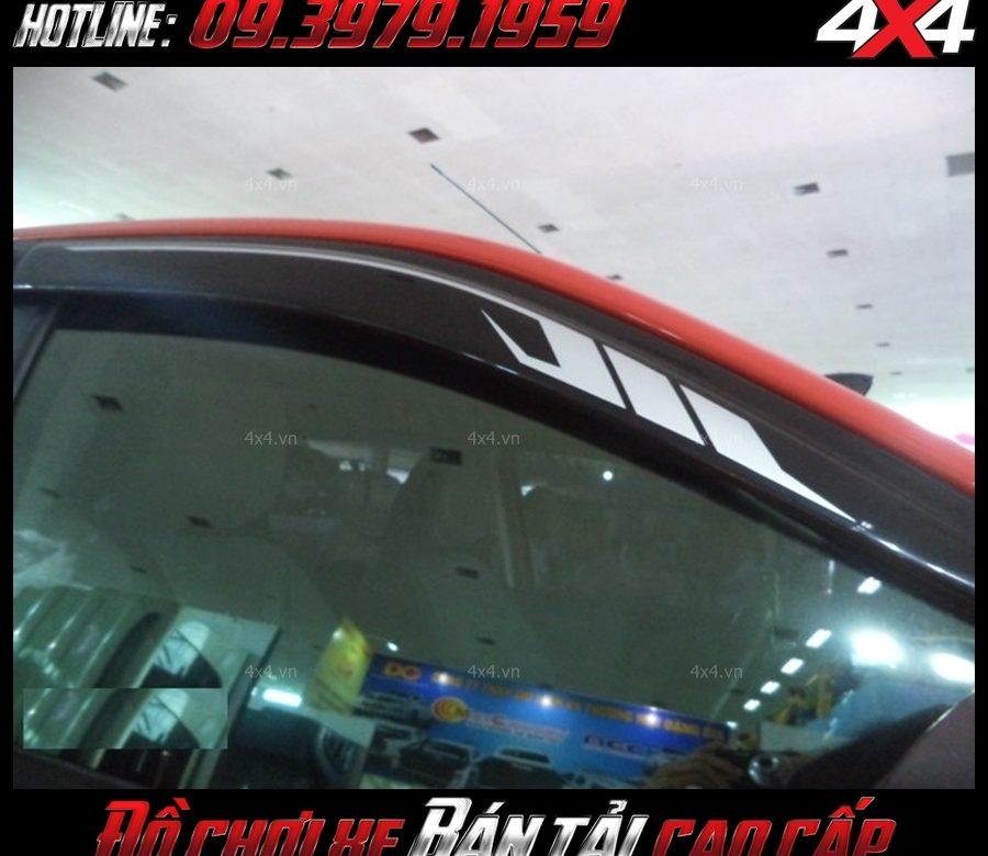 Picture đèn led độ: vè che mưa xe ford ranger Không những đẹp mà còn khá có ích