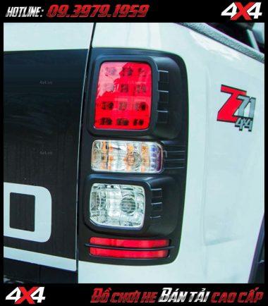 Ốp đèn hậu màu đen dành cho xe bán tải Chevrolet Colorado tại HCM