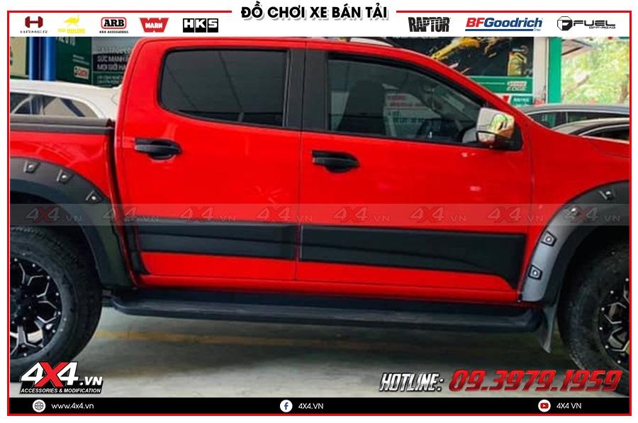 Chuyên độ ốp hông cửa xe Chevrolet Colorado 2020 hàng nhập Thái Lan