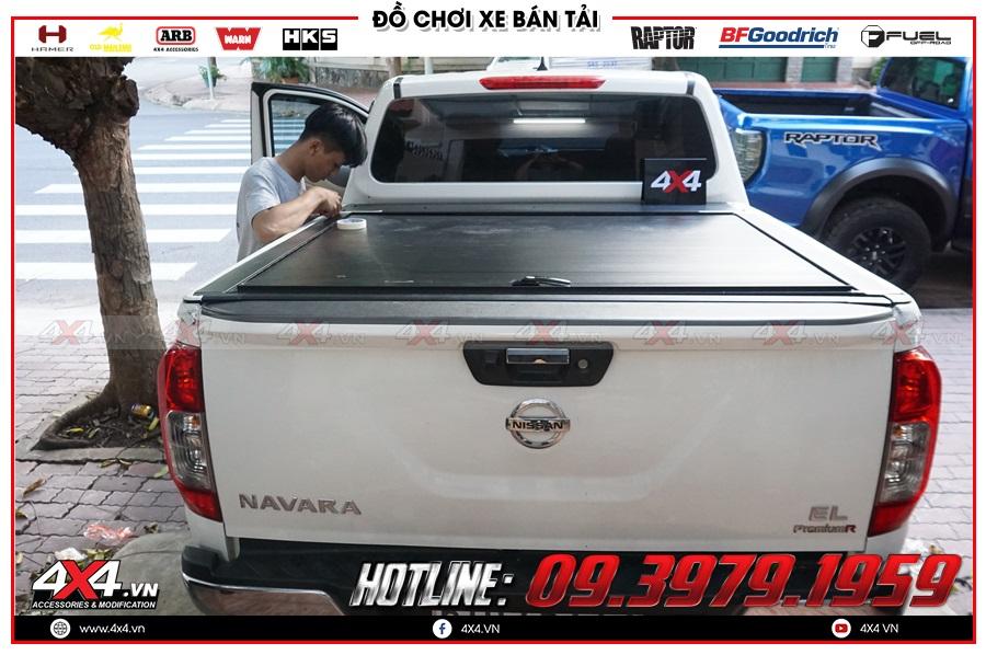 Lên nắp thùng cuộn cho xe Nissan Navara 2020 giá rẻ ở 4x4Chuyên độ nắp thùng cuộn dành cho xe Nissan Navara 2020 hàng nhập Thái LanBáo giá nắp thùng cuộn dành cho xe Nissan Navara 2020 hàng nhập ThailandLưu ý khi độ nắp thùng cuộn dành cho xe Nissan Navara 2020 sao cho tiện dụng và giá hợp lý tại 4x4
