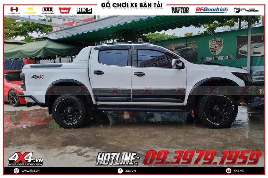 Chuyên độ ốp hông cửa xe Chevrolet Colorado 2020 hàng nhập Thailand