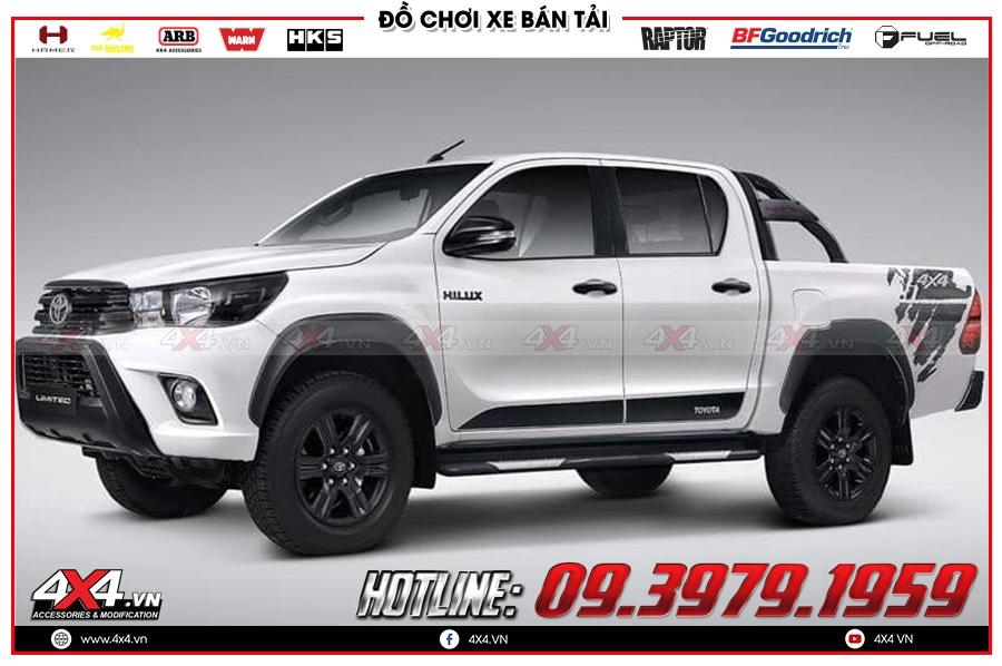 Độ ốp hông cửa cho xe Toyota Hilux 2020 cực chất tại 4x4