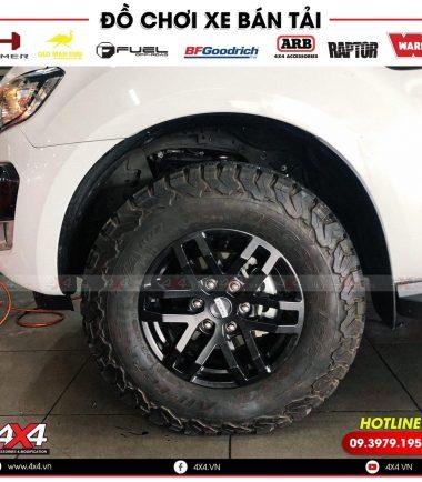 Xe bán tải Ford Ranger Wildtrak độ mâm lốp Raptor đẹp và ngầu
