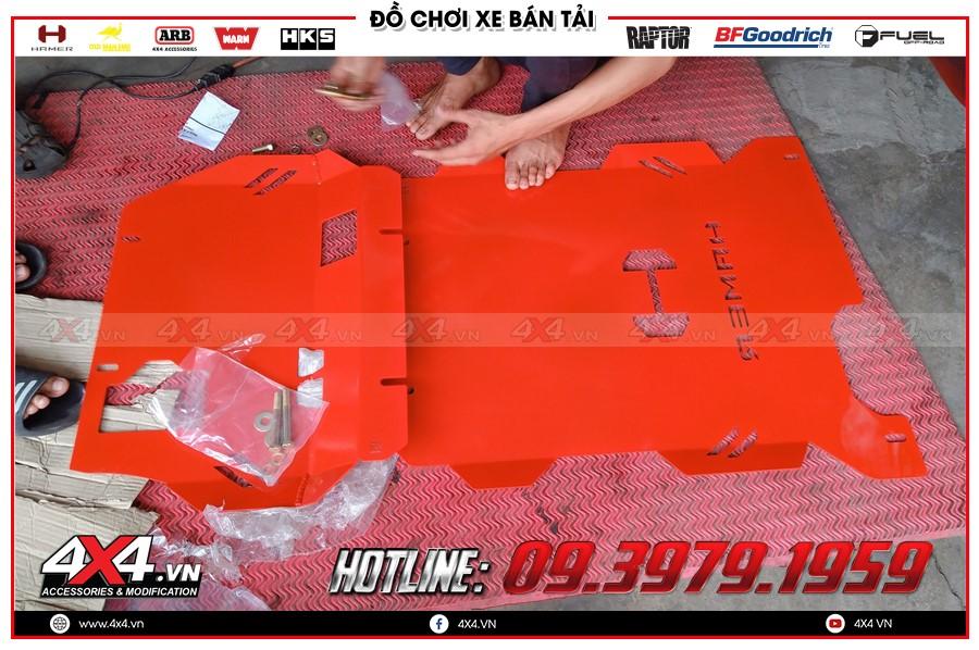 Giáp gầm xe Toyota Hilux giá yêu thương tại Sài Gòn Xưởng độ 4x4