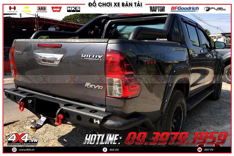Lên cản sau Hamer cho xe Toyota Hilux cực chất tại 4x4