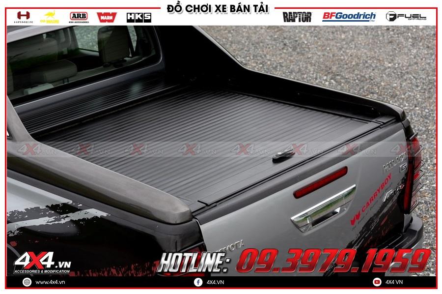 Tư vấn thay nắp thùng cuộn lên cho xe Toyota Hilux 2020 sao cho giá rẻ ở 4x4