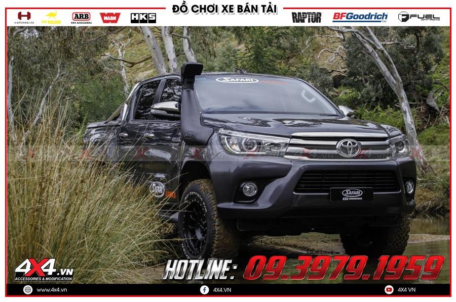 Gắn ống thở cho xe Toyota Hilux 2020 cực ngầu tại 4x4