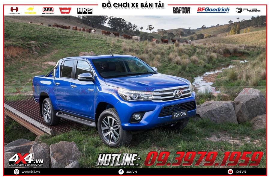 Vì sao nên dán phim cách nhiệt xe Toyota Hilux?
