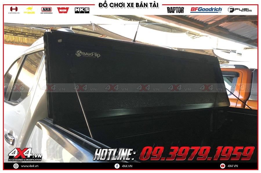 Gắn nắp thùng 3 tấm cho xe Isuzu Dmax 2020 tiện dụng và giá hợp lý ở 4x4