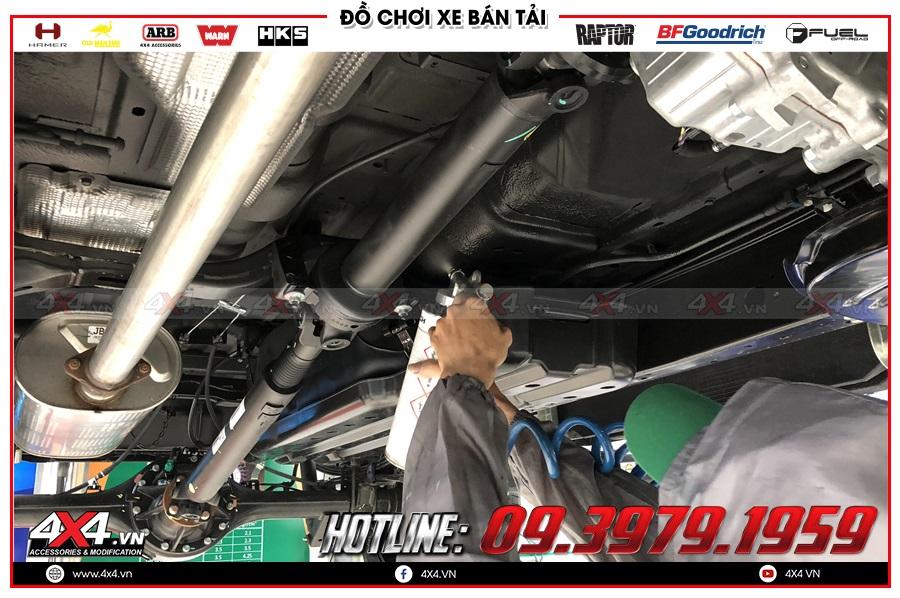 Phủ gầm cho Toyota Hilux ở đâu đẹp nhất?